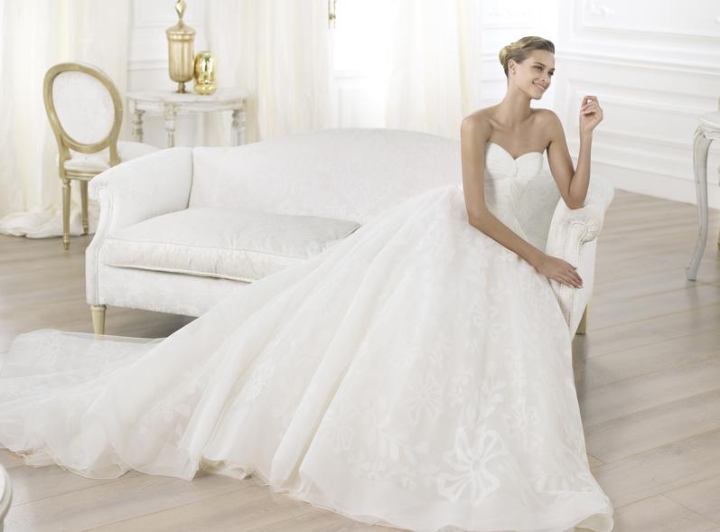 b69230a6186e Svadobné šaty predaj - Pronovias 2013-2014. Leura A. Leura A